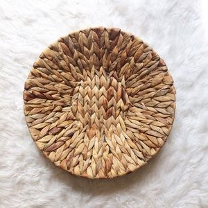 Other - Large round wicker rattan basket bowl